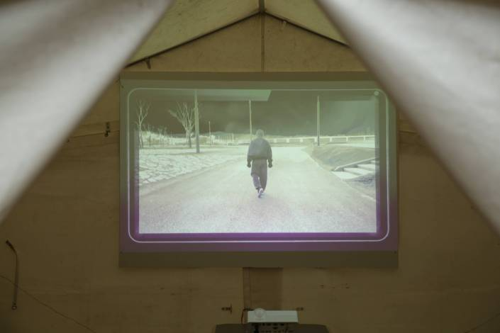 SCHALCHTEN | DISPLACED 2015 | Video-Tent | SELF diss played, Isabella Gresser | Image © Alvaro Torres Vallejo