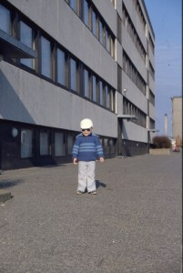Jesper i mit Hood i barndom - Rosenhøj