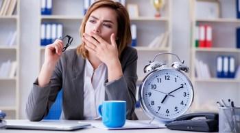 Dauermüde und erschöpft: Nicht nur Grundschullehrern macht der tägliche Stress zu schaffen.
