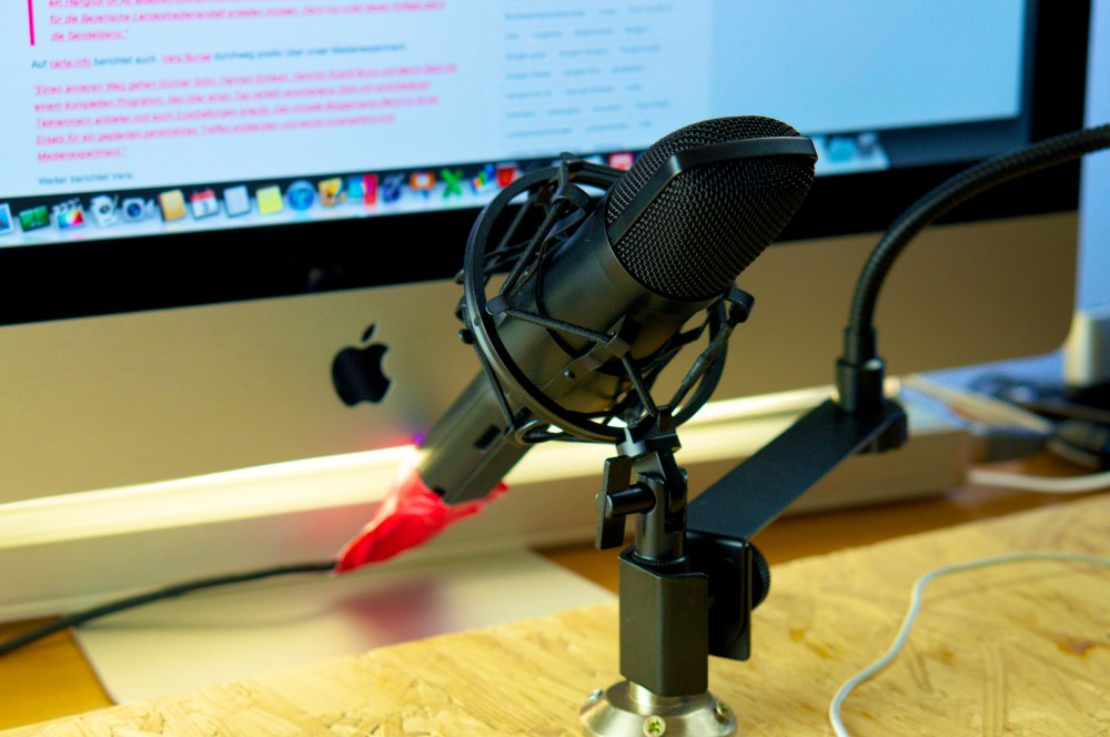 Mikrofon mit Spinne zur Vermeidung von Vibrationsgeräuschen