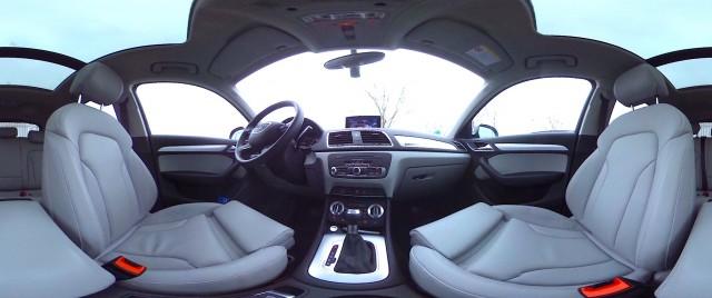 Videokonferenz im fahrenden Auto Foto: Hannes Schleeh