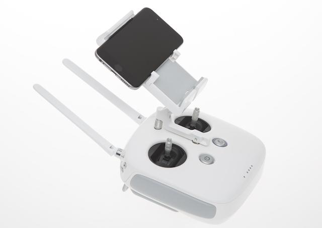 Fernsteuerung mit Lightbride Technologie der neuen DJI Phantom 3