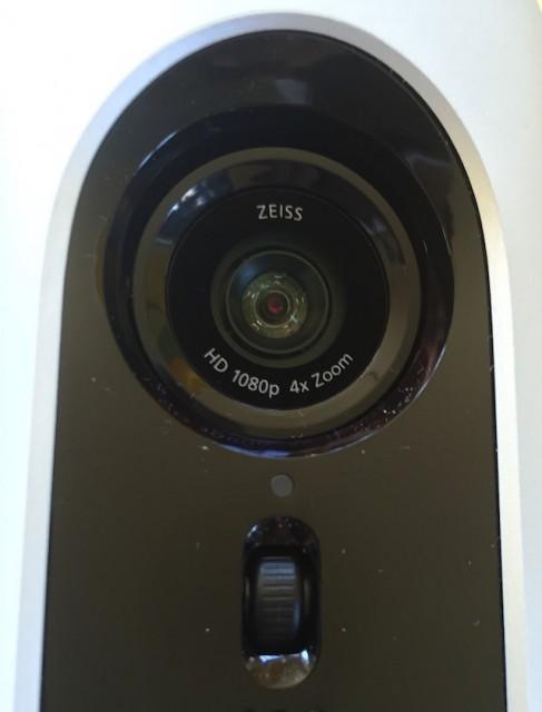 Kamera der Logitech ConferenceCam Connect mit Carl Zeiss Linse und optischem vierfach Zoom Foto Schleeh
