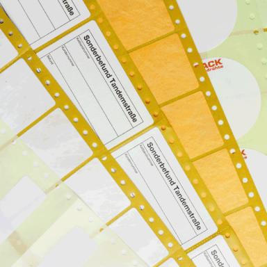 Liniengenaue Führungslochrand für präzise gedruckte EDV-Etiketten im Endlosdruck