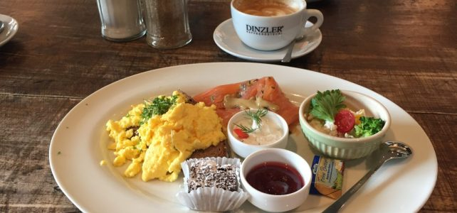 Frühstück beim Dinzler…