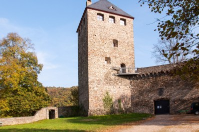 Burgruine-Sayn-mit-Bergfried