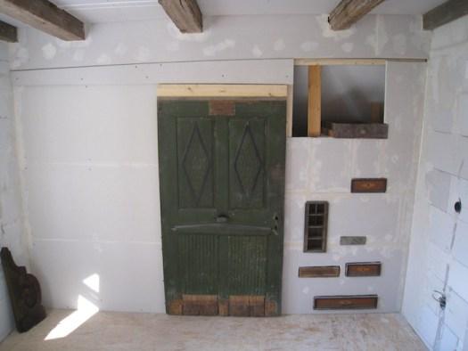 Der begehbare Schrank fast fertig inkl. antiker Schubladen