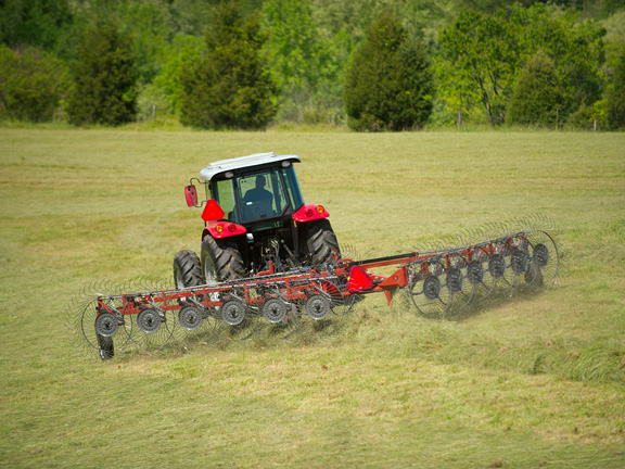 Hesston 3900 series wheel rakes