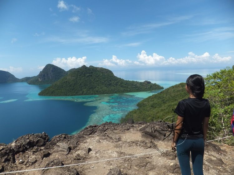 Explore Sabah Day 19: Bohey Dulang, Semporna - Me viewing in awe
