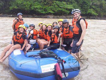 Padas Water Rafting Taking a break group photo 3 4.11.2014