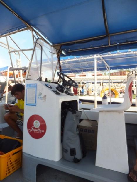 PADI Discover Scuba Diving (DSD) in Tunku Abdul Rahman Park, Sabah Boat Driver