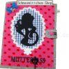 Mutterpasshülle in rosa mit Kinderwagen-Anhänger | Mutter mit Locken