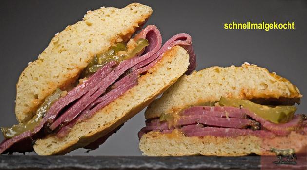 Pastrami Sandwich Gurke