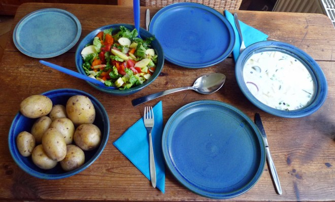 Marinierter Hering,Kartoffeln,Salat, - 14.4.15   (9)