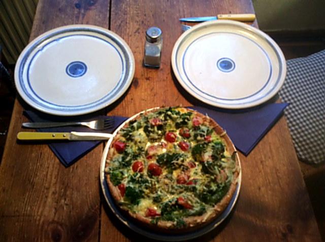 28.1.16 - Brokkoli,Pepperoni Quiche (12)