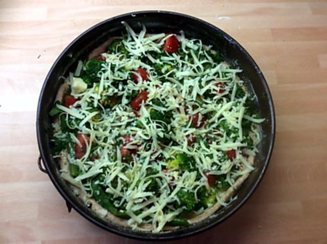 28.1.16 - Brokkoli,Pepperoni Quiche (9)