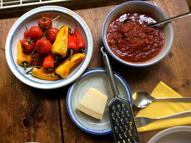 15.2.16 - Zucchinispaghetti,Reisnudeln,Tomatensoße,Bratgemüse (19)