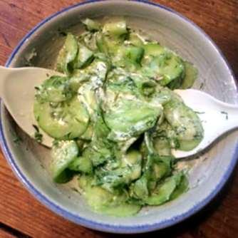 21.2.16 - Frikadellen,Kartoffelpü,Gurkensalat,Brokkoli,Dessert, (9)