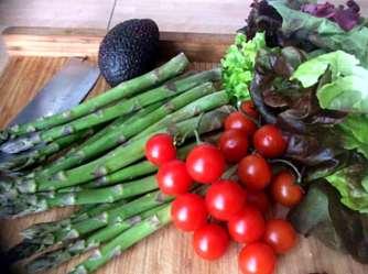 5.4.16 - Grüner Spargel,Salat,Ofenkartoffeln (4)