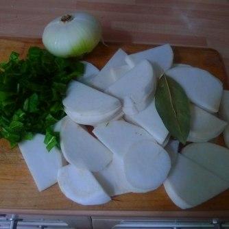 13.7.16 - Mairübchen,Kartoffelstampf,Bratwurst (8)
