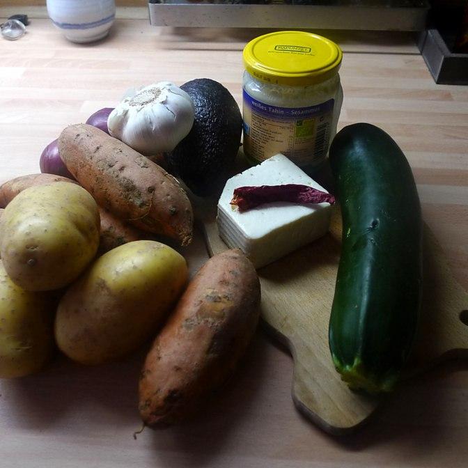 kartoffelgratingebratene-zucchinibaba-ganoushguacamoleolivengebackener-fetavegetarisch-1c