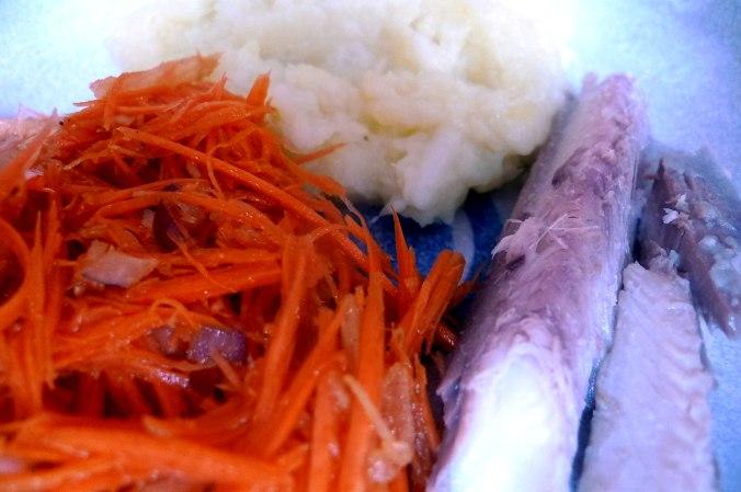 pastinaken-kartoffelstampffeldsalatmhrensalatgeraucherter-buckling-9
