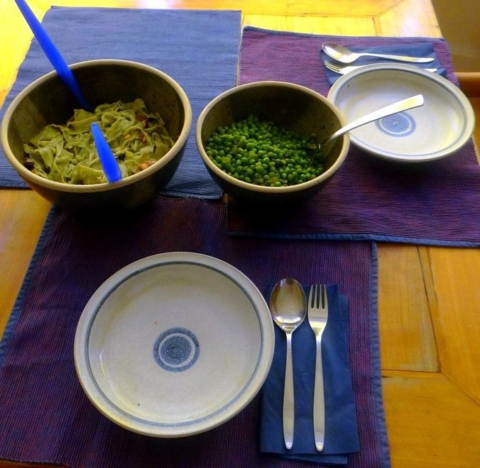 Nudeln mit Meeresfrüchten,Erbsen,Erdbeereis,vegetarisch (5)