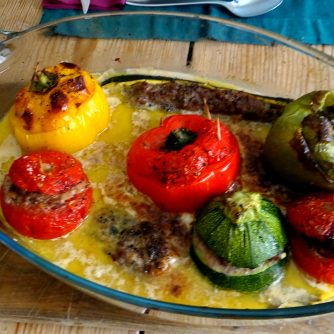 Gefüllte Paprika,Schmorgurke,Tomate,Zucchini,Reis,Bananeneis (17)