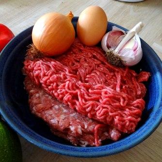 Gefüllte Paprika,Schmorgurke,Tomate,Zucchini,Reis,Bananeneis (7)