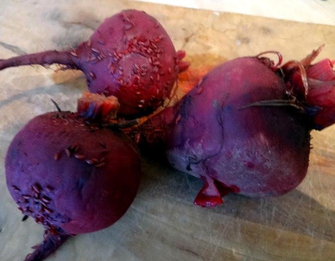 Herrzhafte Muffin,Rote Beete Salat,Geschmorte Radieschen,Tomaten mit Mozarella,Römersalat (5)