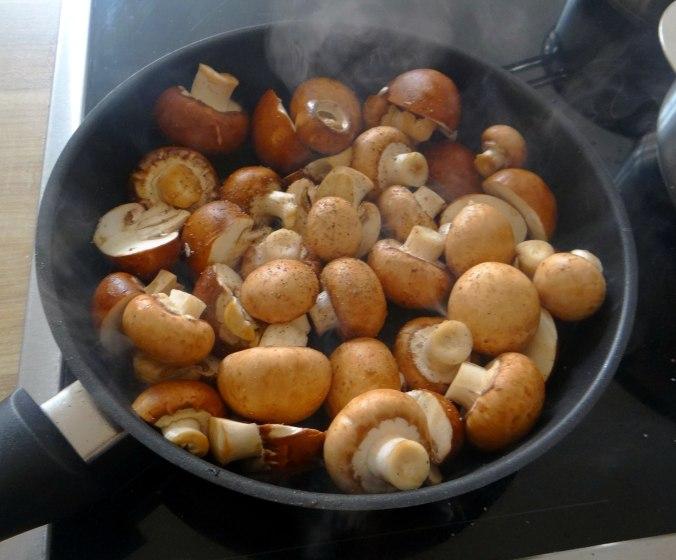 Dreierlei Nudeln,Champignon,Sand,vegan (5)