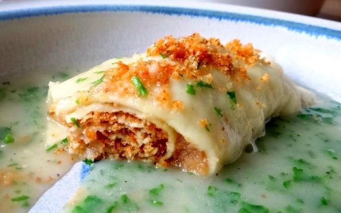 Wickelklöße,Petersiliensoße,Gurkensalat,Joghurtspeise (4)