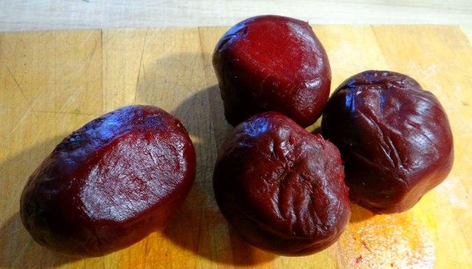 Rote Beete Gemüse,Geräucherte Forelle,Kartoffeln,Obstsalat (6)