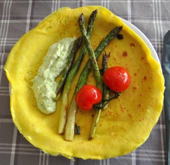 Eierpfannkuchen,Bärlauch Quark grüner Spargel (15)