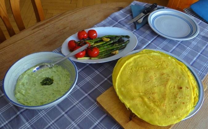 Eierpfannkuchen,Bärlauch Quark grüner Spargel (4)