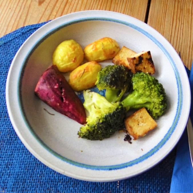 Ofenkartoffeln,Brokkoli,Räuchertofu (1)