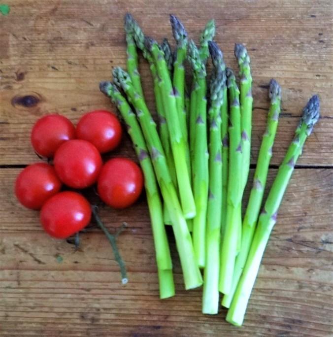 Spargel Omlett,gemischter Salat (3)