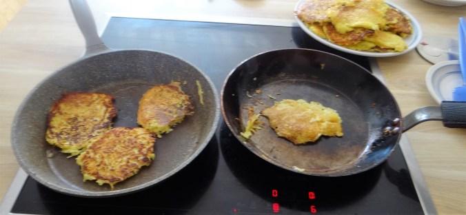 Kartoffelpuffer,Lachsforelle,Rote Beete Salat (10)