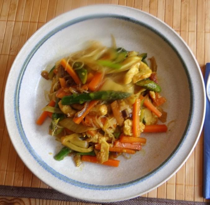 Wokgemüse,grüner Spargel,Glasudeln (1)