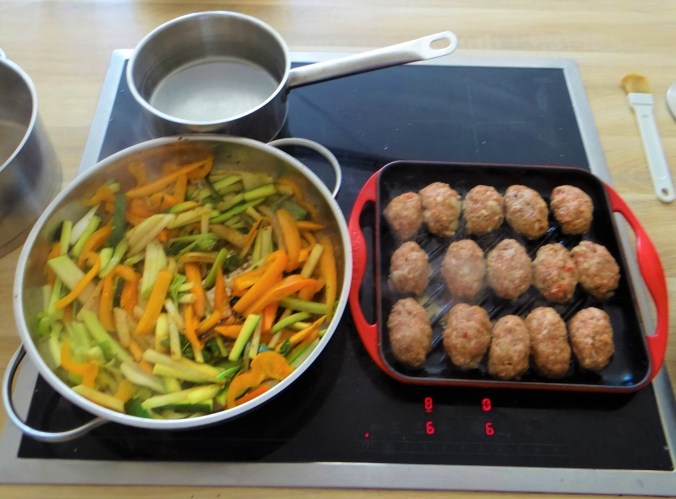 Gemüsepfanne,Kritharaki,Hack Bällchen (8)