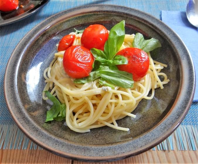 Spaghetti,Gorgonzola Sauce,Tomaten,Dessert (1)