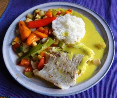 Seelachs auf Gemüsebett mit Kokos-Curry Sauce (15)