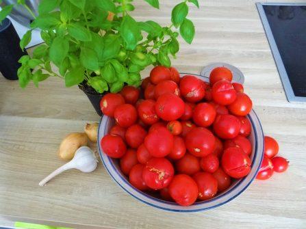 Tomatensuppe mit Enoki (6)
