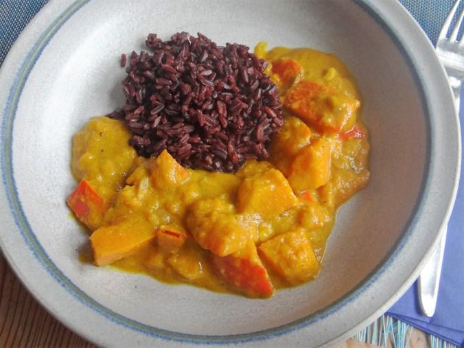 Kürbis Curry mit schwarzem Reis (1)