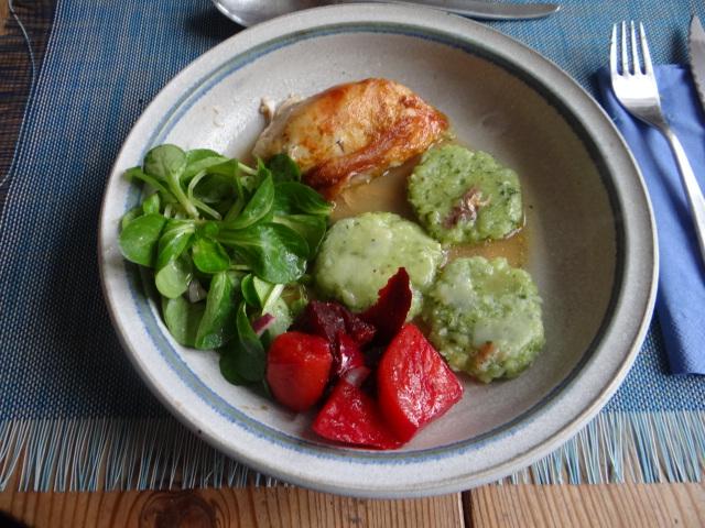 Hähnchen,Bärlauchtaler,Salate (1)