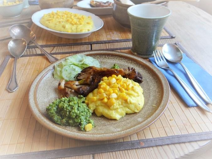 Polenta,Austernpilze,Rucolapesto,Gurkensalat,Dessert (19)