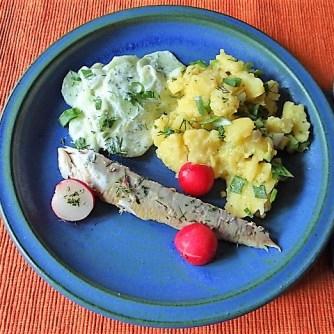 Kartoffelsalat und gräucherte Makrele,Birne in Glühwein , (20)