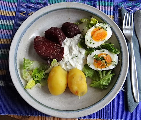 Meerrettichquark,Rote Beete,Ei,Salat,Pellkartoffeln (20)