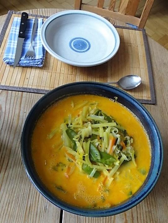 Asiatische Gemüsesuppe (3)