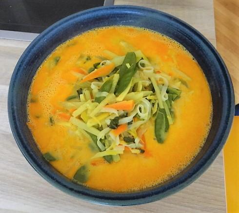 Asiatische Gemüsesuppe (9)